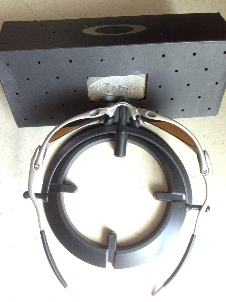 ROMEO 1 TITANIUM (BONE) / POL 24K IRIDIUM & ORIGINAL MATCHING # BOX COIN - IMG_6902.JPG