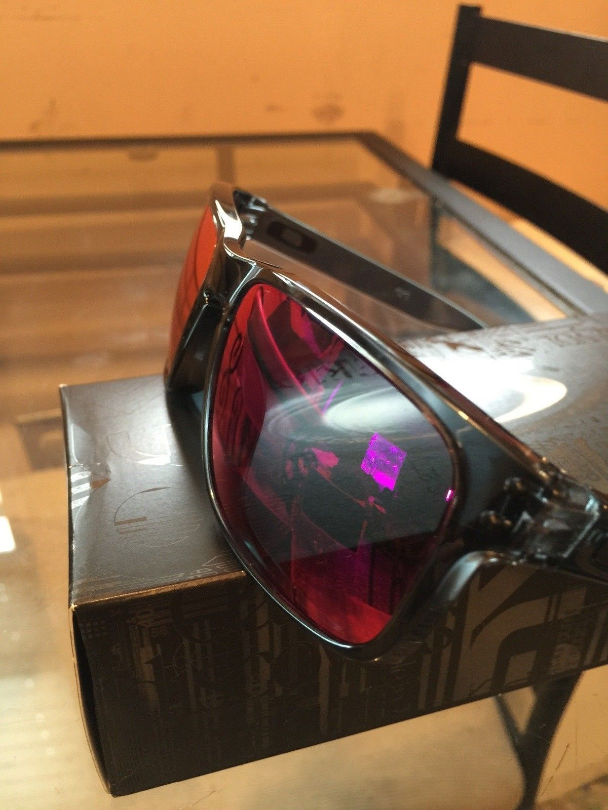 """Several items: Holbrooks, Frogskins, """"project Scar"""", Four, Mag Four S Plasma, X-Metal Stand - IMG_7033.jpg"""