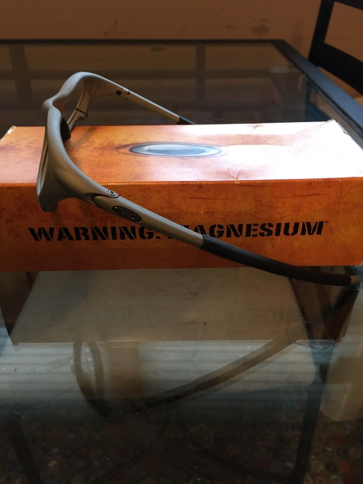 """Several items: Holbrooks, Frogskins, """"project Scar"""", Four, Mag Four S Plasma, X-Metal Stand - IMG_7038.jpg"""