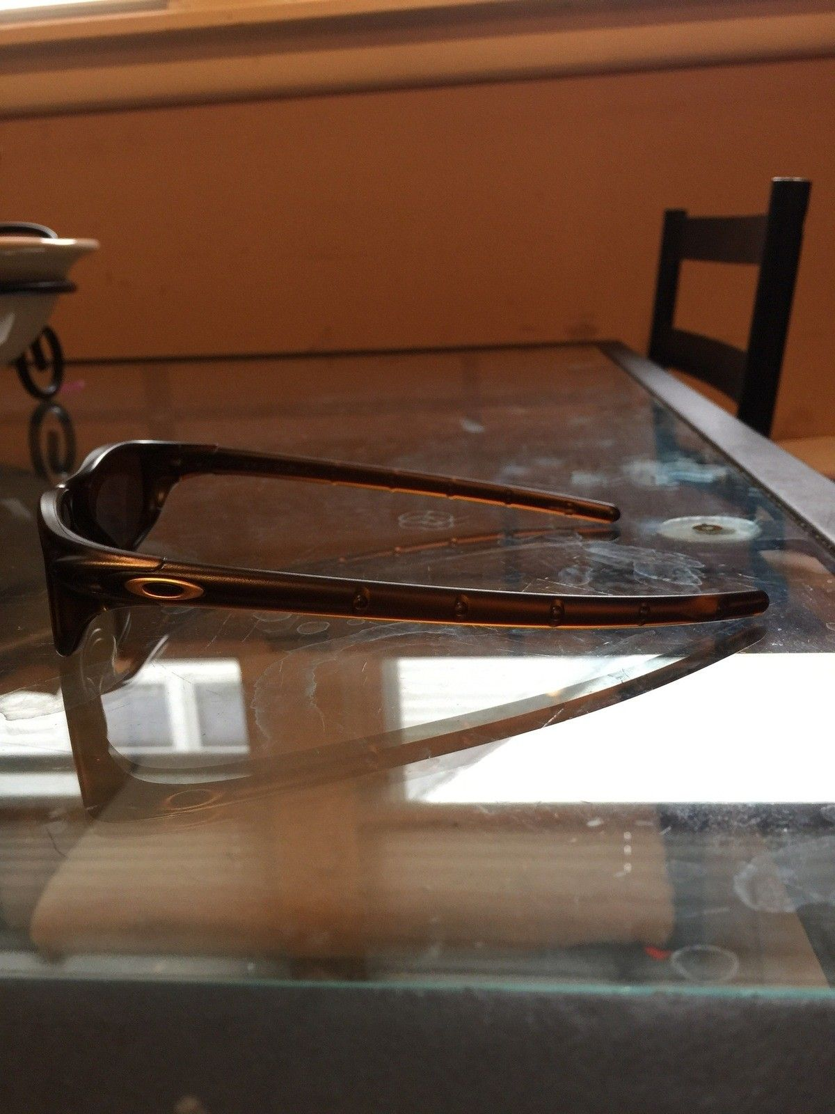 """Several items: Holbrooks, Frogskins, """"project Scar"""", Four, Mag Four S Plasma, X-Metal Stand - IMG_7040.jpg"""