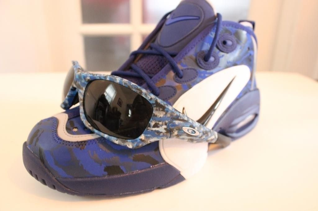 V2oak's 1st DIY/ Custom Oakley Blue Camo Pit Bull - IMG_7211_zps054af907.jpg