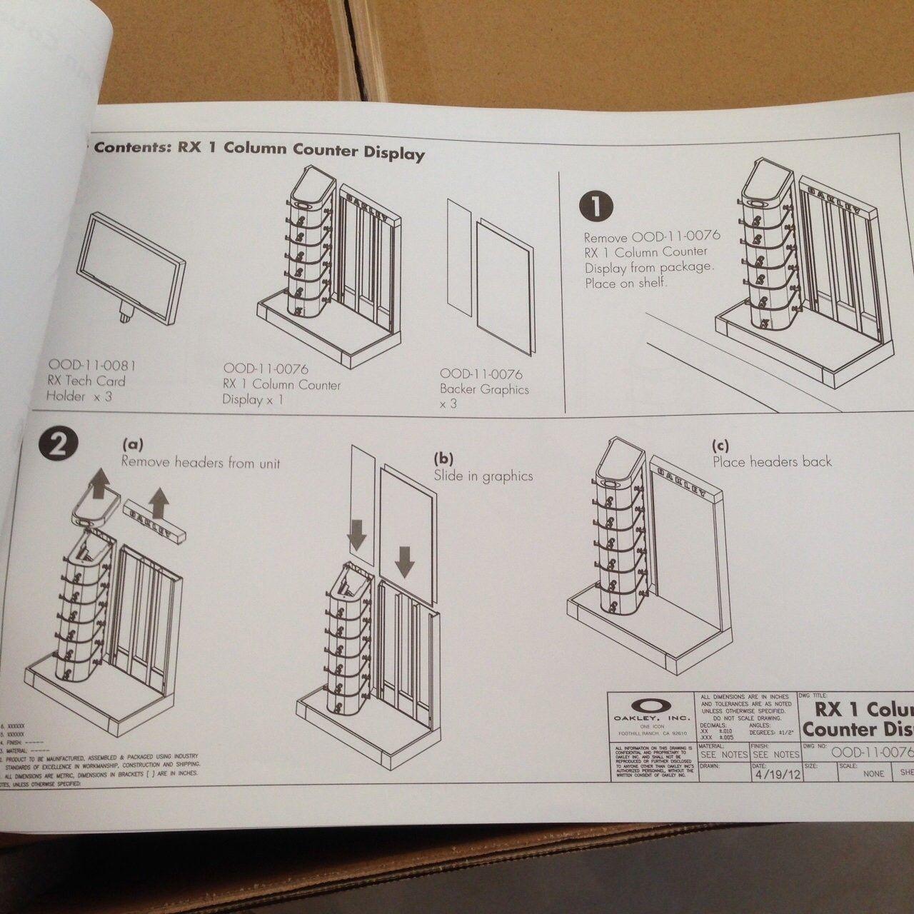 New in Box Oakley Counter Display - IMG_7807.JPG