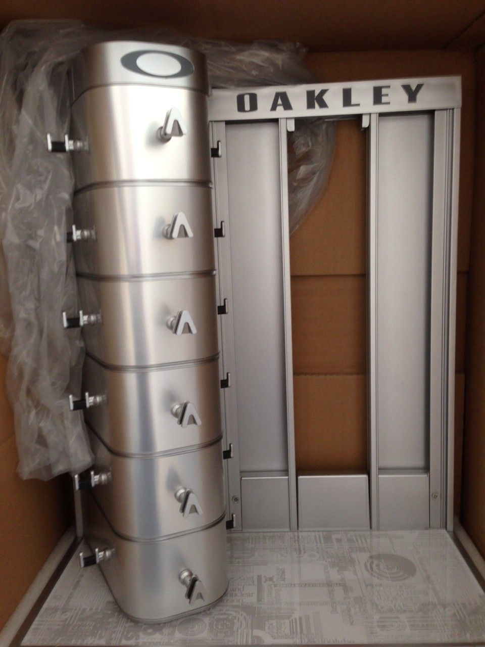 NIB OAKLEY X-METAL SUNGLASSES/ RX FRAME DISPLAY RARE NEW IN BOX! - IMG_7813.JPG