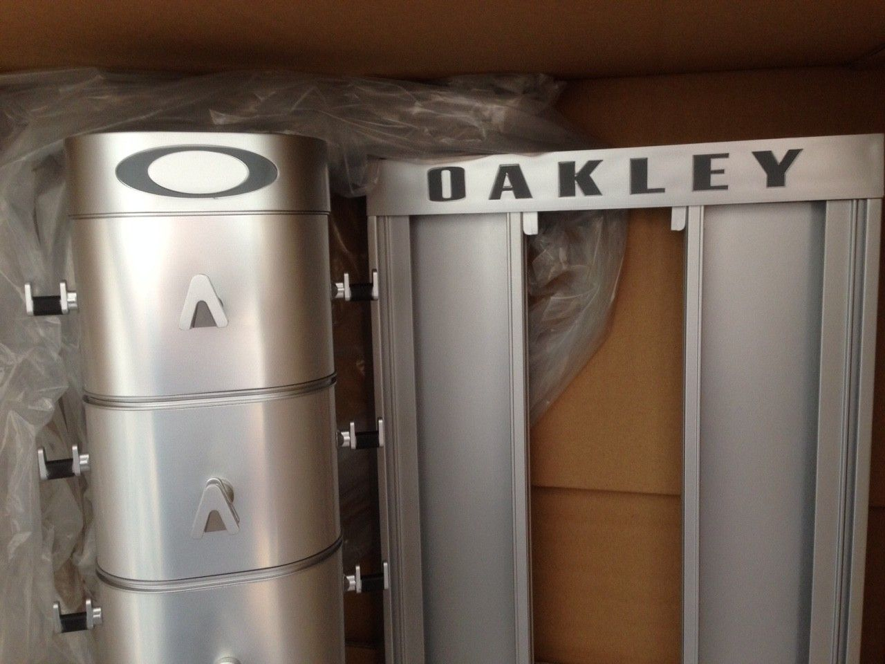 NIB OAKLEY X-METAL SUNGLASSES/ RX FRAME DISPLAY RARE NEW IN BOX! - IMG_7815.JPG