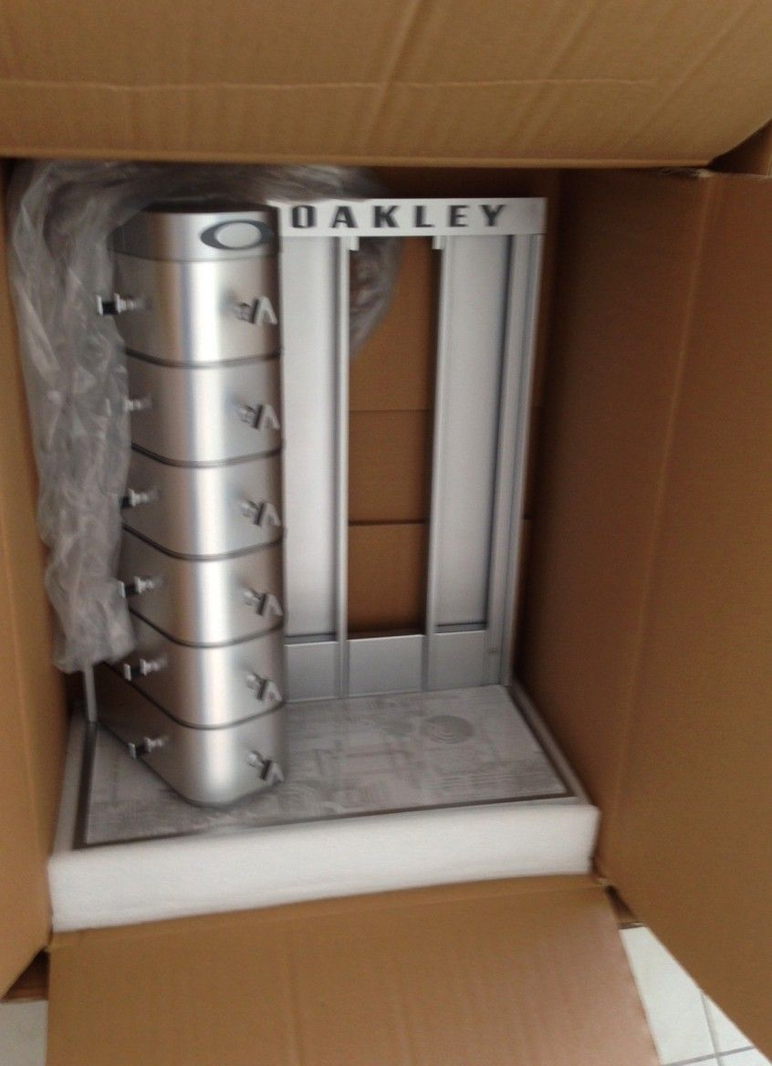 New in Box Oakley Counter Display - IMG_7817.JPG