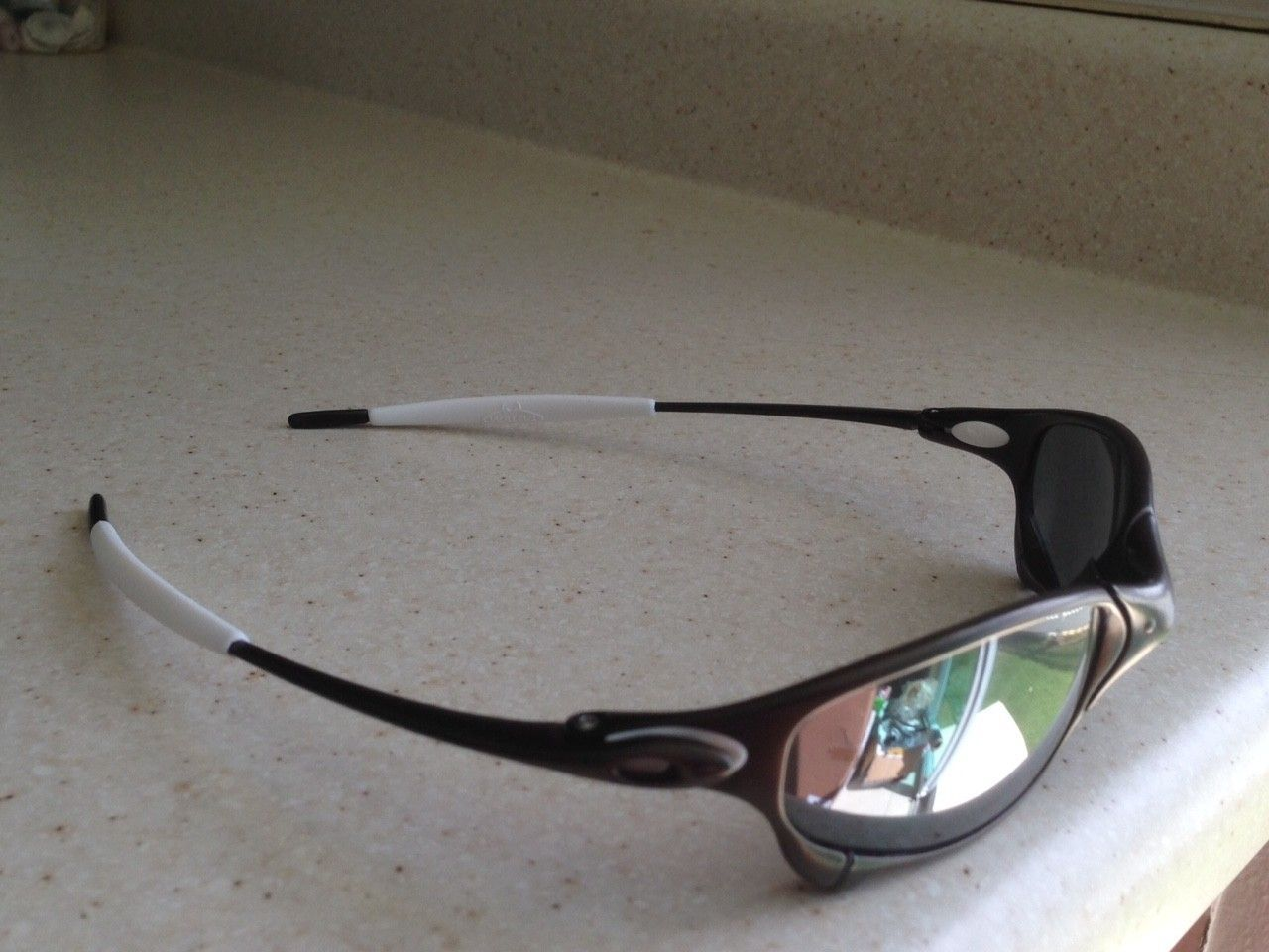 JULIET CARBON / POLARIZED BLACK IRIDIUM - IMG_8156.JPG
