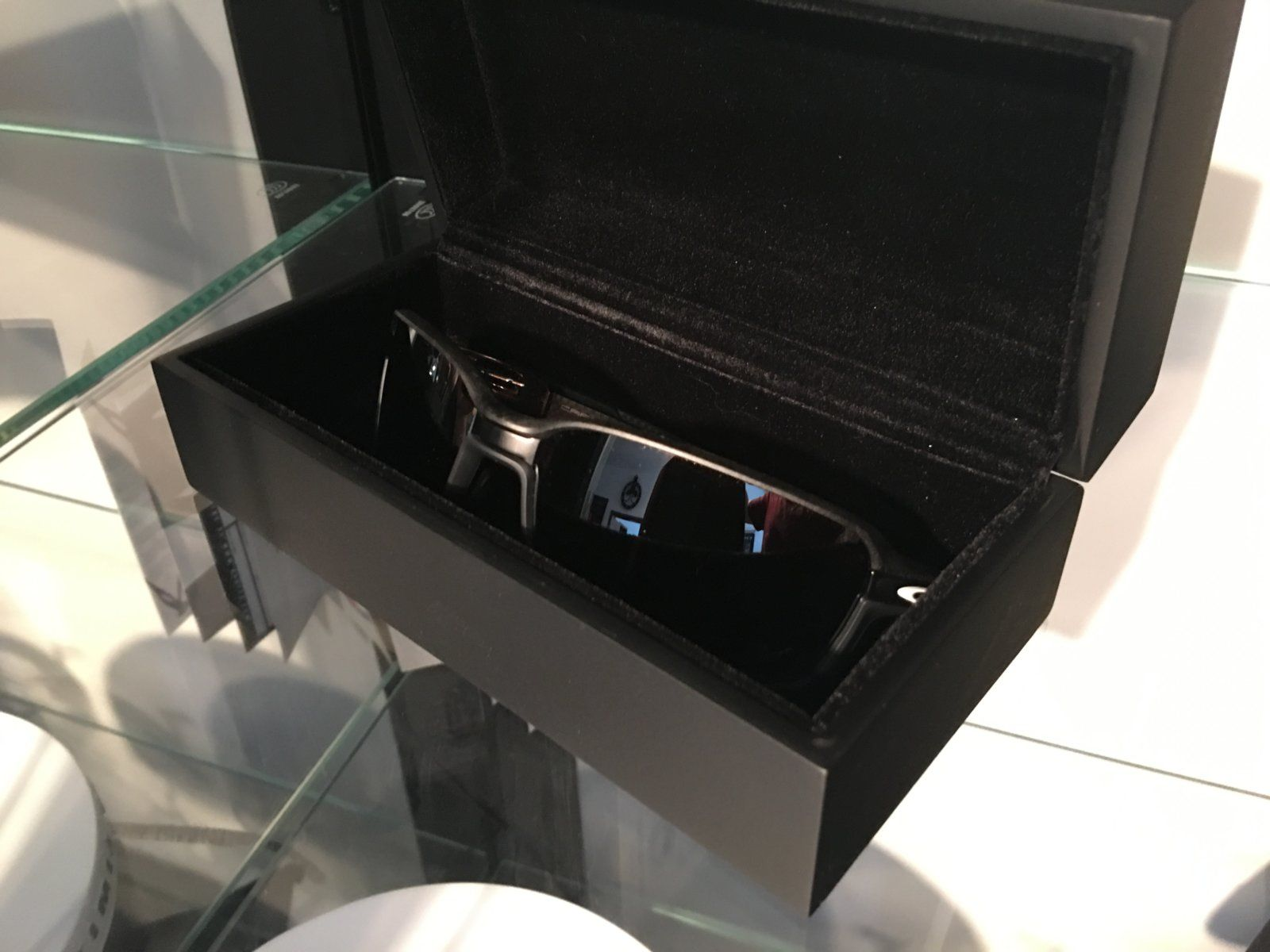 Review: Oakley Carbon Prime Limited Edition MotoGP — SKU OO6021-0463~(I619XX -I62XXX) - IMG_8264.JPG