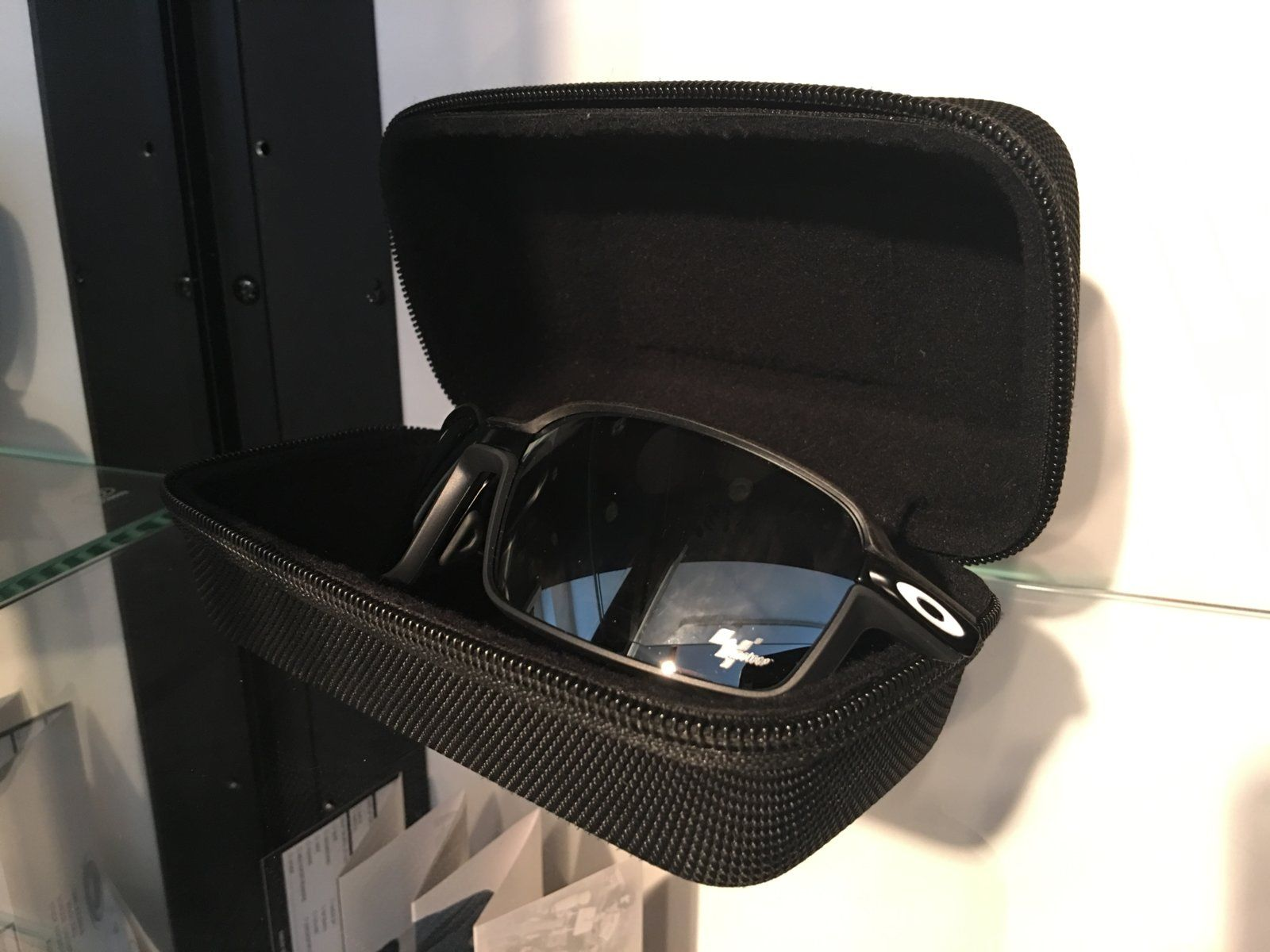 Review: Oakley Carbon Prime Limited Edition MotoGP — SKU OO6021-0463~(I619XX -I62XXX) - IMG_8268.JPG