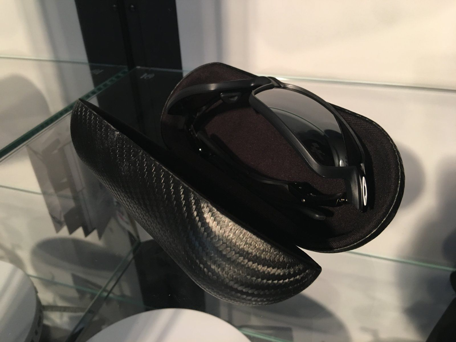 Review: Oakley Carbon Prime Limited Edition MotoGP — SKU OO6021-0463~(I619XX -I62XXX) - IMG_8270.JPG