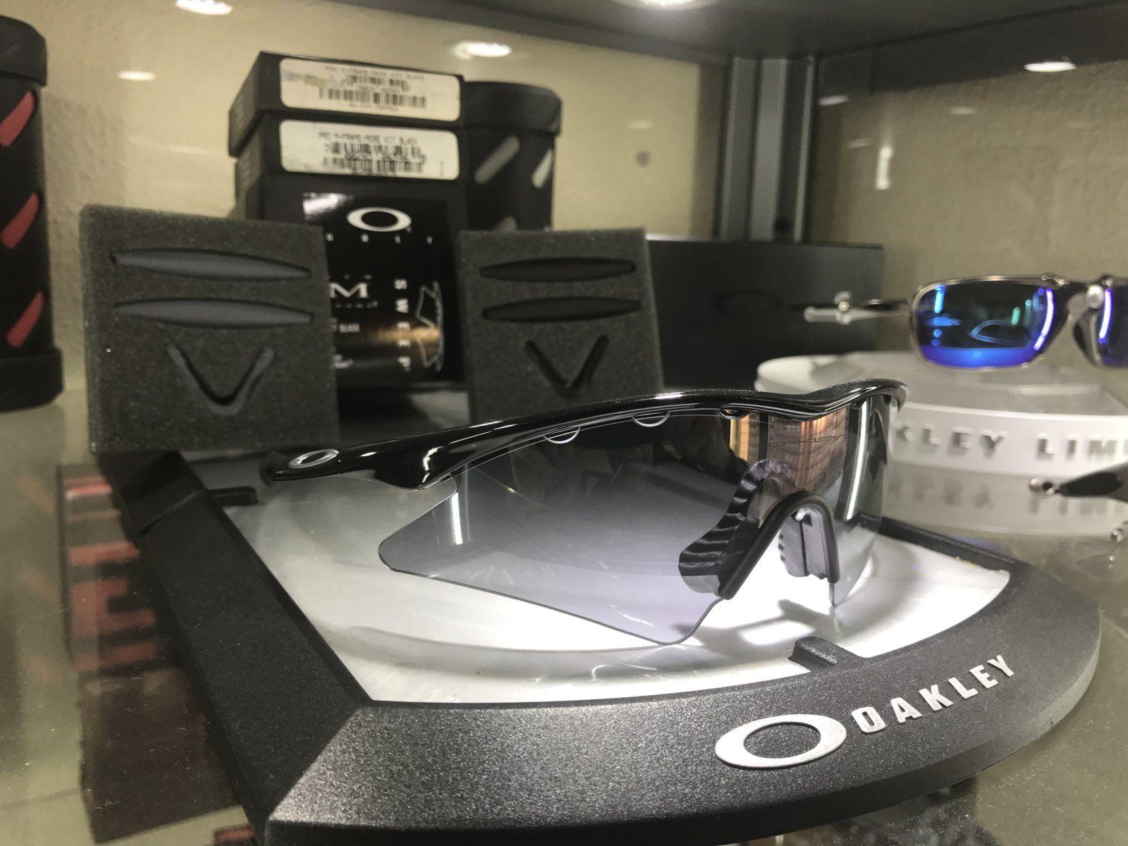M-Frame Sweep jet Black w/ slatte Iridium SKU: 09-608 + 2 set of new oem rubbers - IMG_8321.JPG