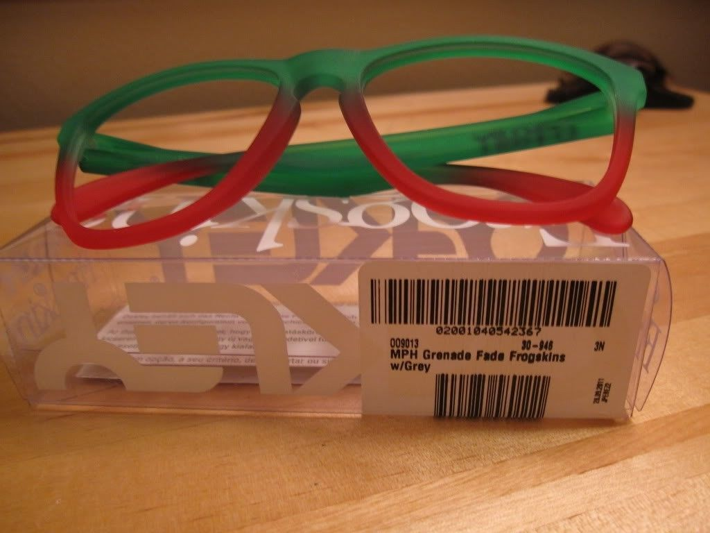 2 Pairs Of Matte Grey And Grenade Fade Frame - IMG_9202.jpg