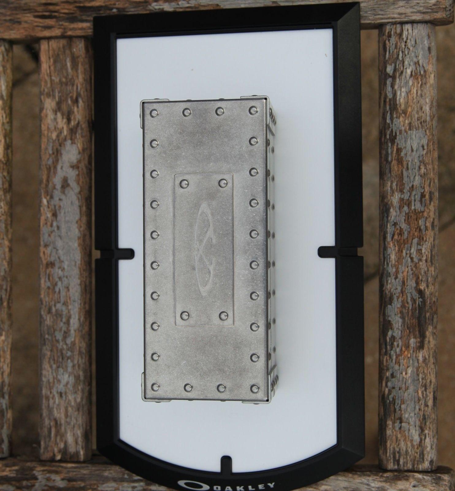 BNIB X-Metal Vault - IMG_9959.jpg