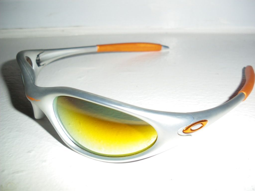 Oakley Minute Thrift Store Find - IMGP8121.jpg