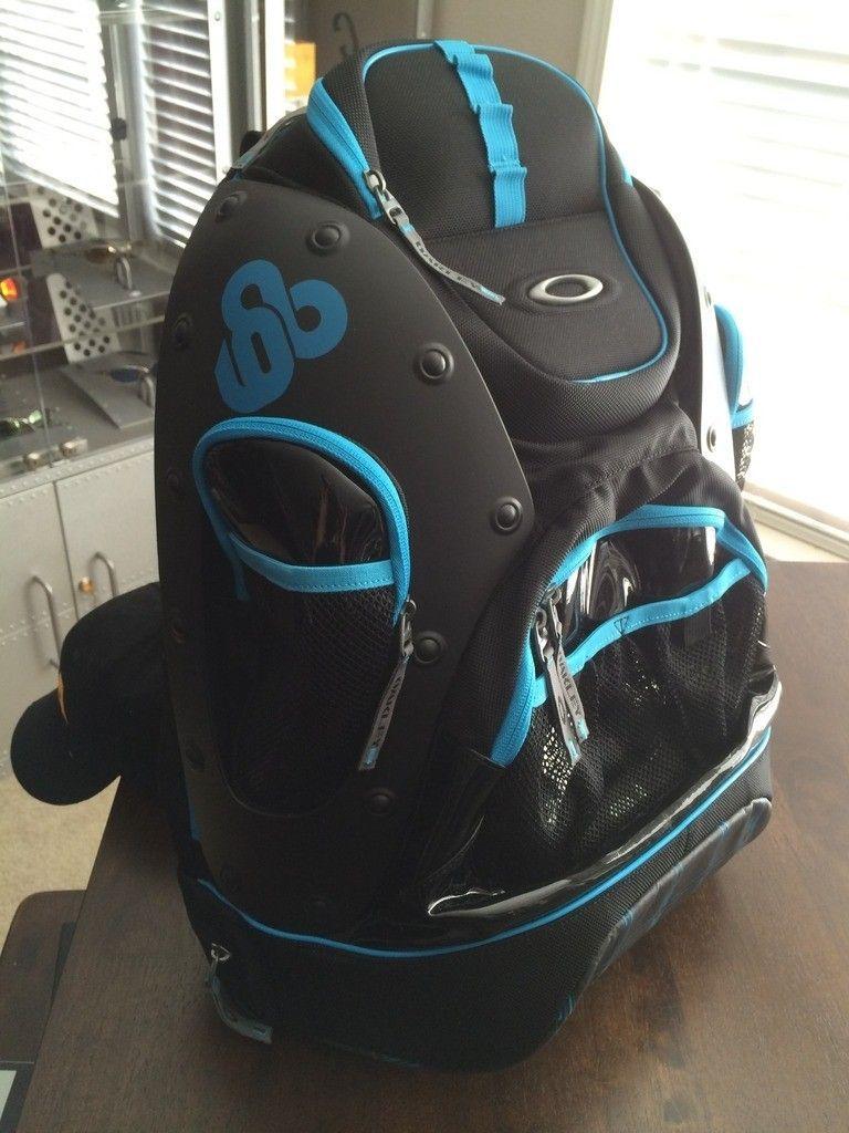 BNIB Tron Pit Boss / Backpack Set - iphone%202014-15%20664.jpg