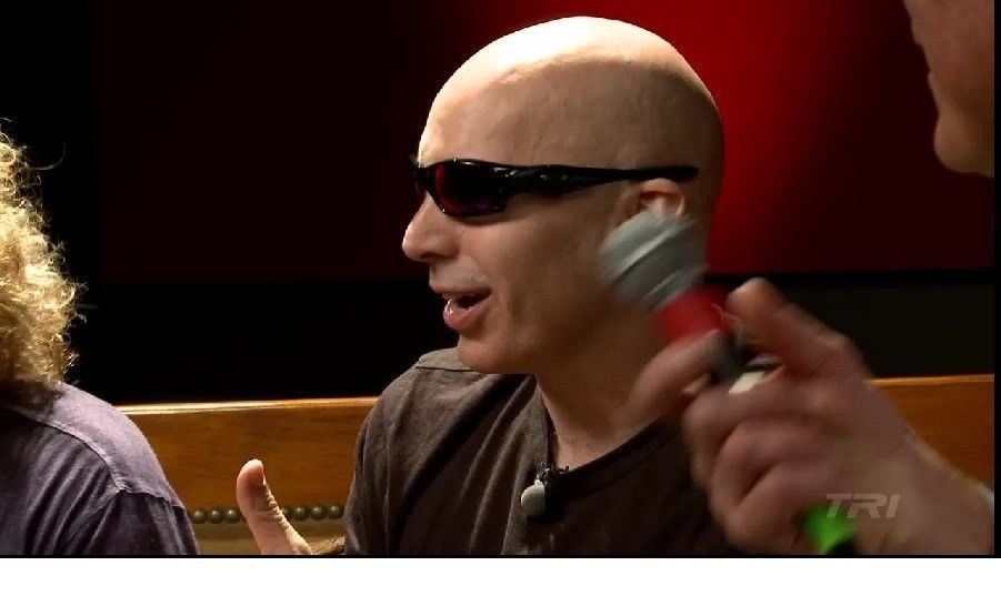 Joe Satriani And Oakley Straight Jacket - joesat3.jpg