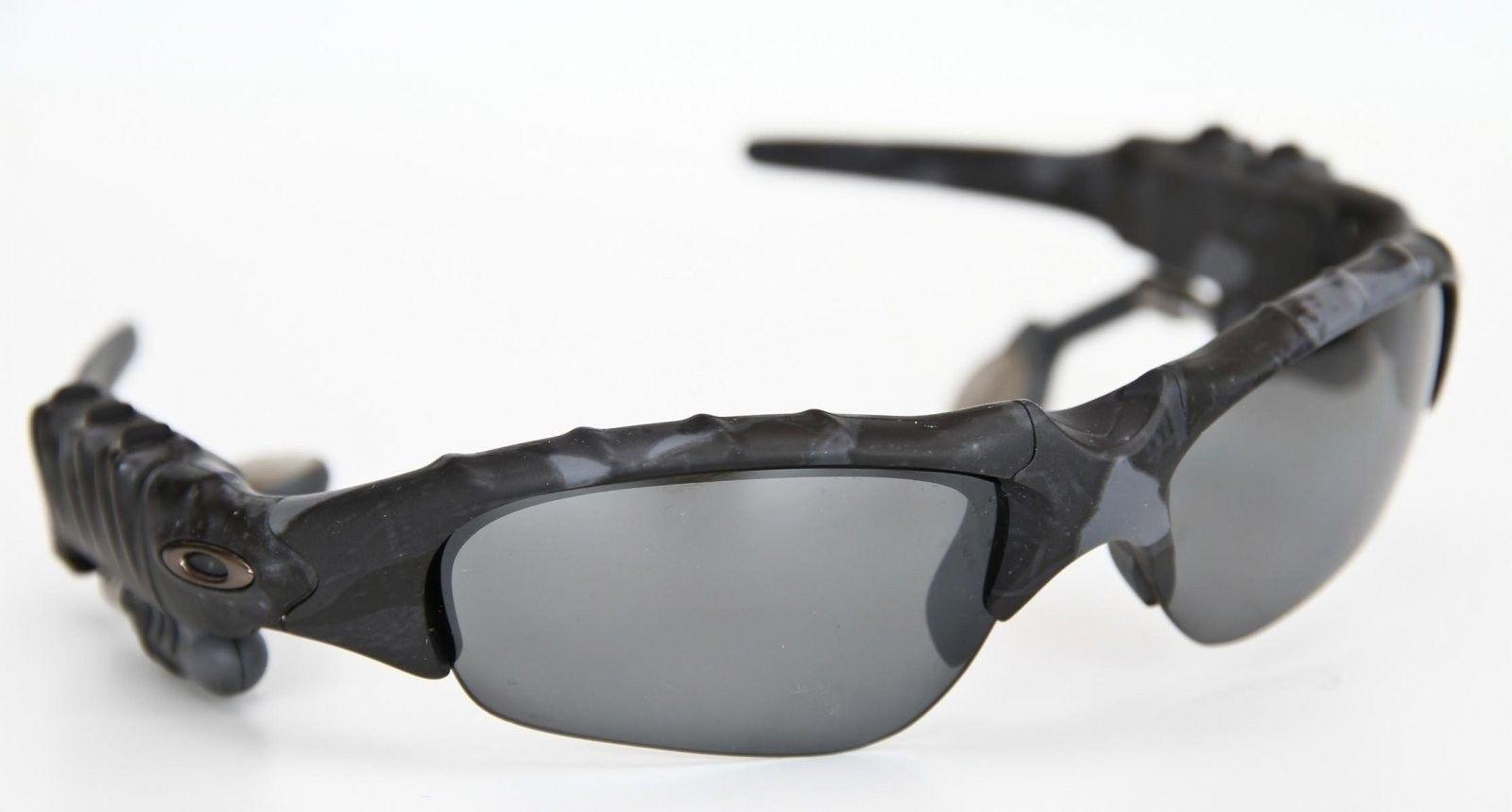 d453ebd379 Oakley Thump Sunglasses