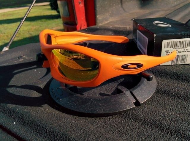 Gascan - Burnt Bronze Cerakote/Black Iridium BNIB - Monster Dog Safety Orange Cerakote Fire Iridium - kEUOA3Cl.jpg