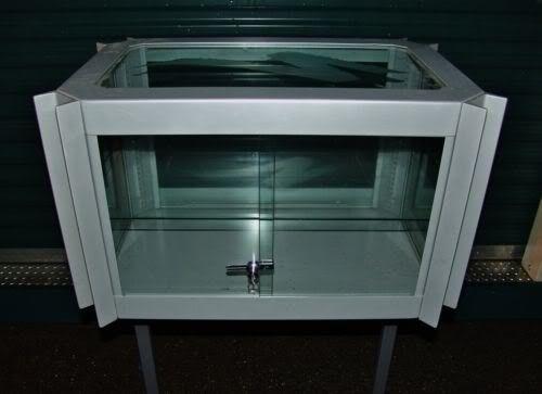 Ultra Rare Specialized OAKLEY Display Case! - KGrHqJHJCIE7y8WfcoBPIK0L0p8Q60_12.jpg