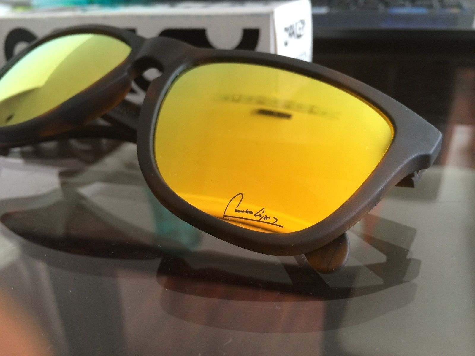 "Frogskins Fallout Collection ""Chaleco Lopez Signature serie"" variation - la foto 2.JPG"