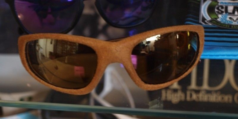 Straight Jacket In Suede And Leather Frames - leather003.jpg