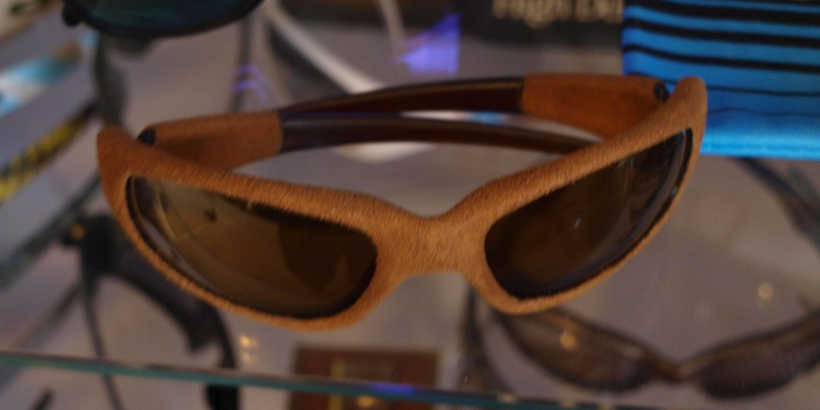 Straight Jacket In Suede And Leather Frames - leather005w.jpg