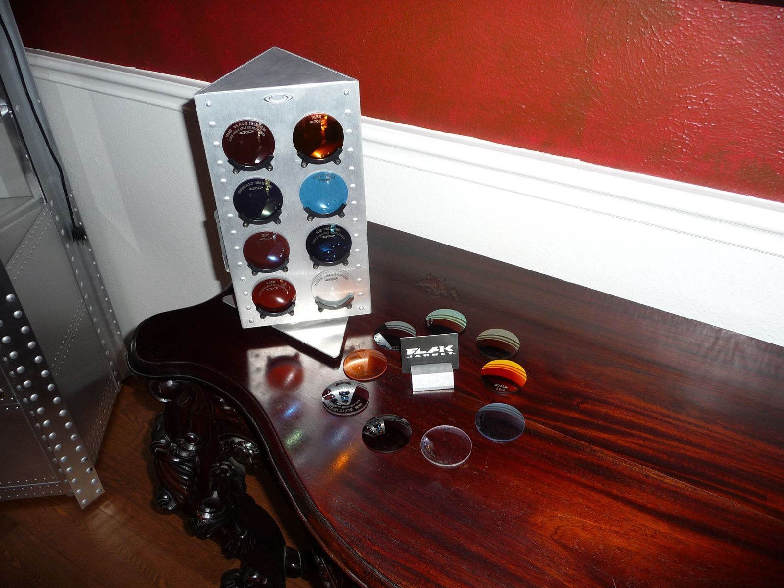 Oakley XMetal Single Tower Display Case For Sale - lensesn.jpg