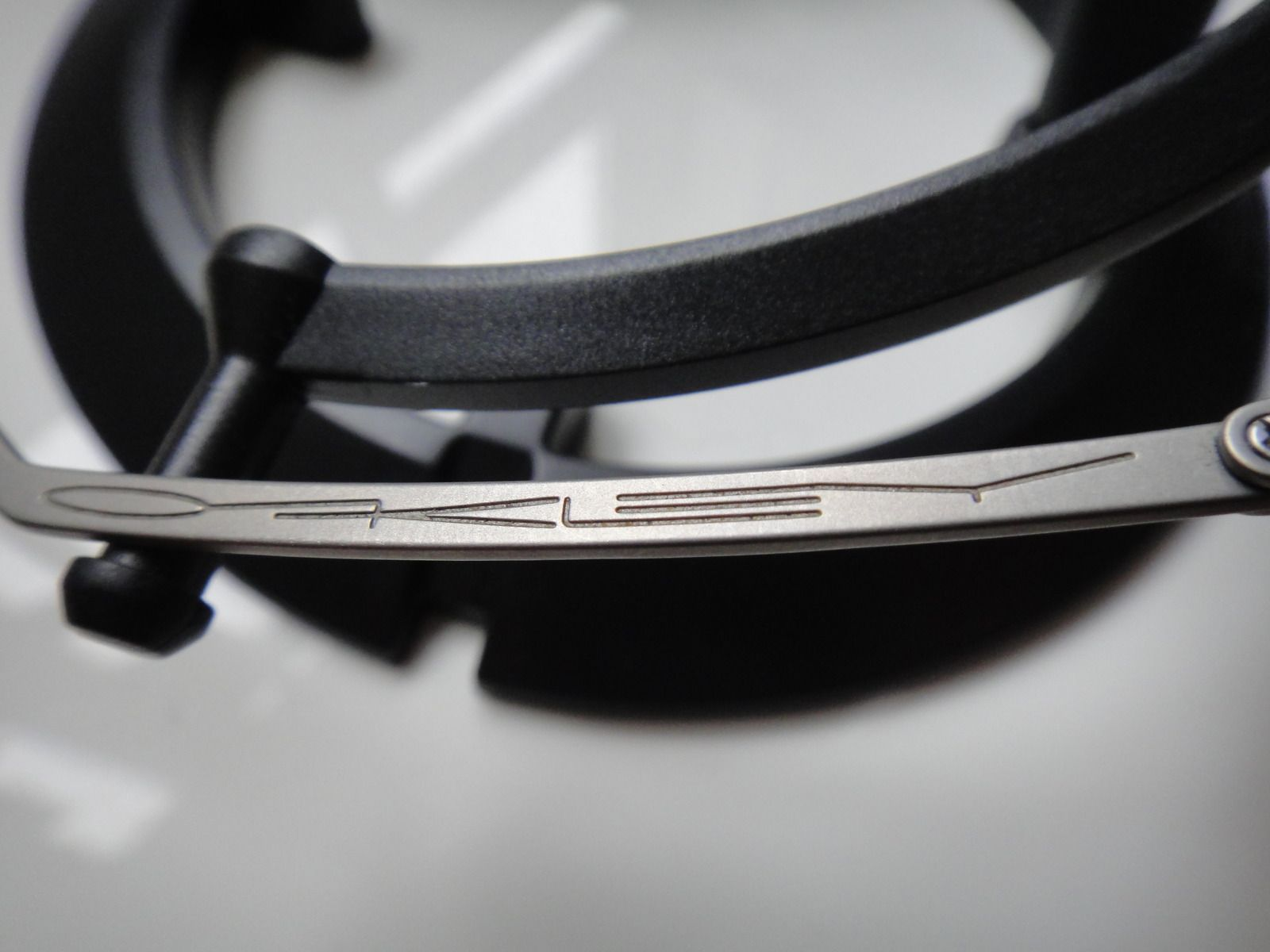 T Wire - Very 1st Titanium Oakley.....? - lpip.jpg