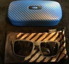 Oakley Holbrooks.  Og Green, Flat.  Limited/rare Find!!!  Brand New!! - m6JuIx9l1kStbp3jFpM70SQ.jpg