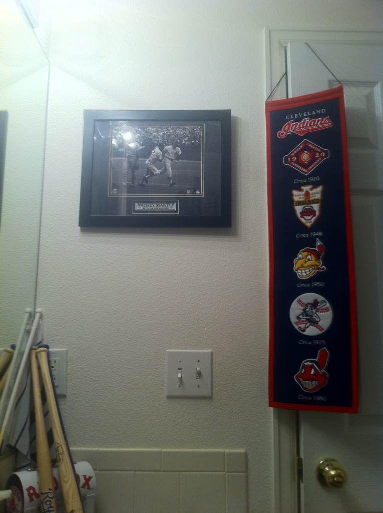 The Baseball Bathroom - me6ene7a.jpg