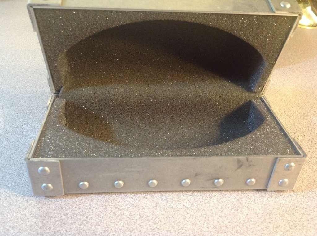 Large Metal Vault - metal2_zps8131664f.jpg