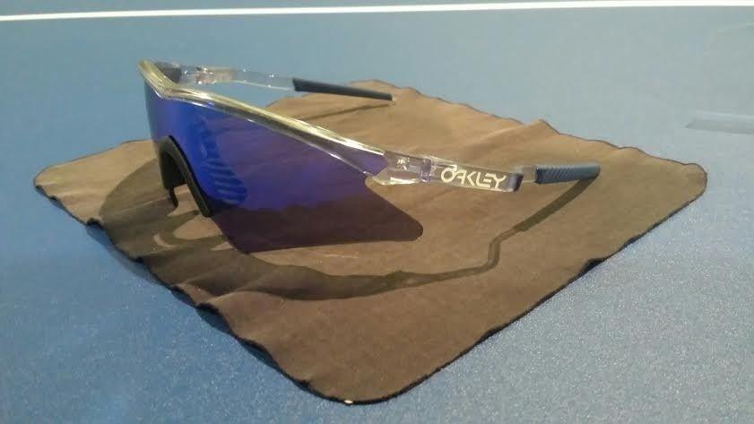 Oakley 1990