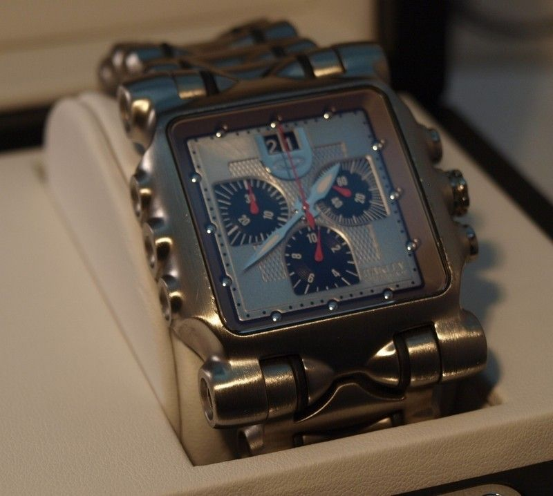 WTS: Oakley Time Tank / Minute Machine ~ Titanium Silver ~ 10-194 - minutemachinesilver3.jpg