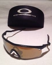 Oakley M Frame Sunglasses - Black & Gold / Root Beer - mL8uyBj8VGf3Zm7lHcS41eQ.jpg