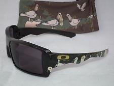 Oakley Todd Francis Artist Series EyePatch - mwKiZGAcogwX0xxPMGiwnlA.jpg