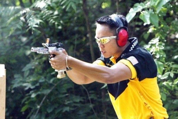 Oakleys In The Wild - Celebs, TV, Sports, Etc - n510076603_319995_9590.jpg