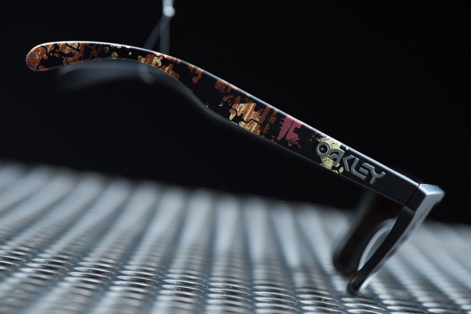 Oakley Frogskins Alpha Decay Signed by Jim Jannard - ND8_0225.jpg