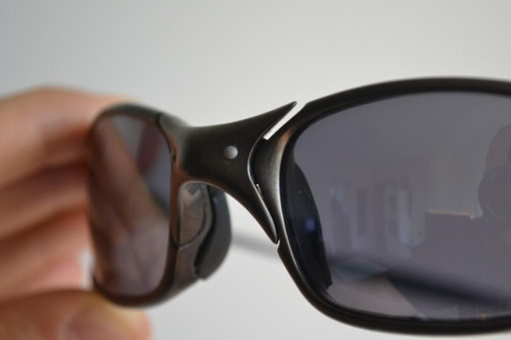 Just Bought A Pair Of Juliets. Good Deal? And Need Help Identify Frame/lenses - nosebridge-front_zpsd72b484a.jpg