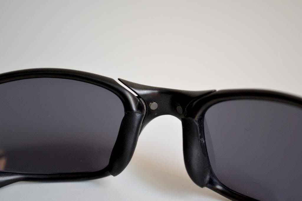 Just Bought A Pair Of Juliets. Good Deal? And Need Help Identify Frame/lenses - nosebridge-inside_zps5331cc14.jpg