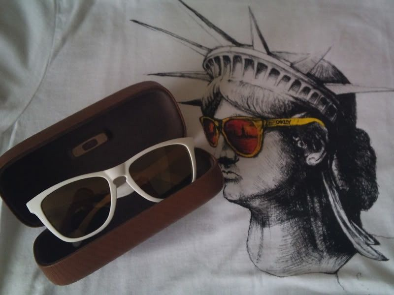 Frogskins - White - Gold Iridium - NYC-Frogs.jpg