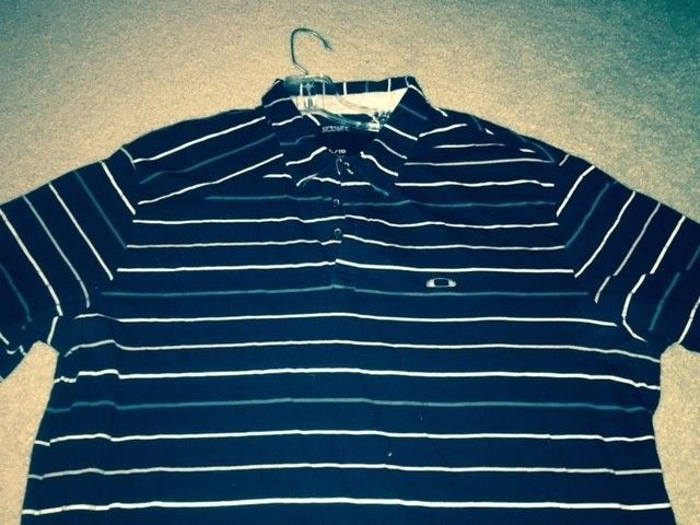 3rd page for the Oakley Polo and Button up Shirt Blow out!! Size XL - O shirt 12.jpg