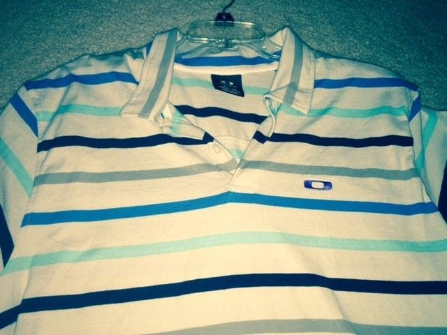 3rd page for the Oakley Polo and Button up Shirt Blow out!! Size XL - O shirt 15.jpg