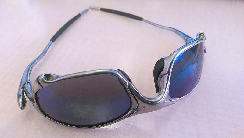 Are these Oakley Juliets? - o___.jpg