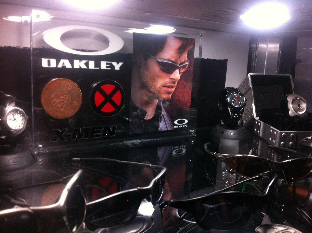 Custom X-Men Display For Ruby Pennys - oak14.JPG