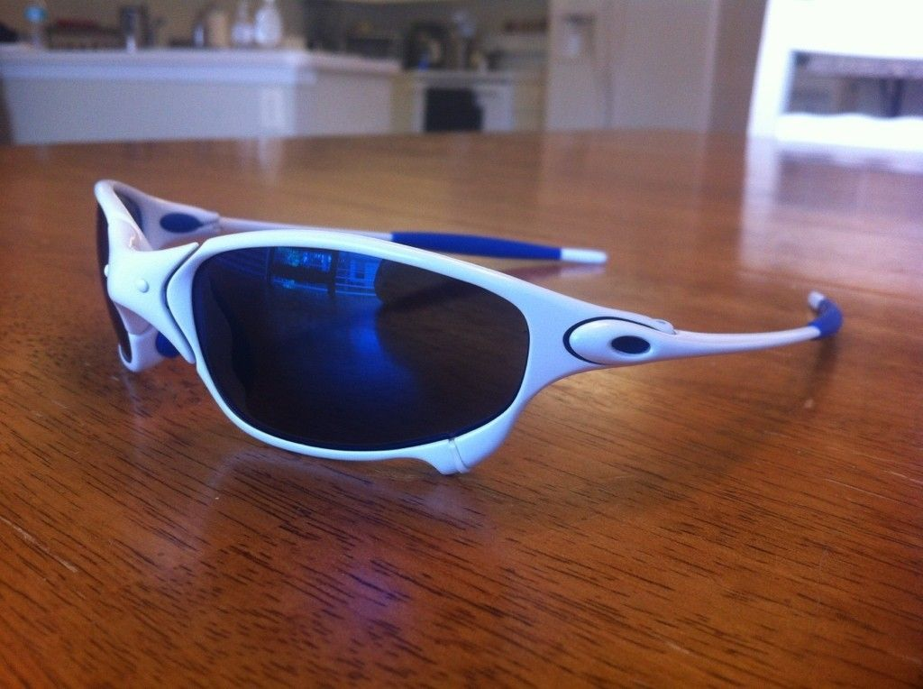 Custom White/Blue Juliet - oak93.jpg