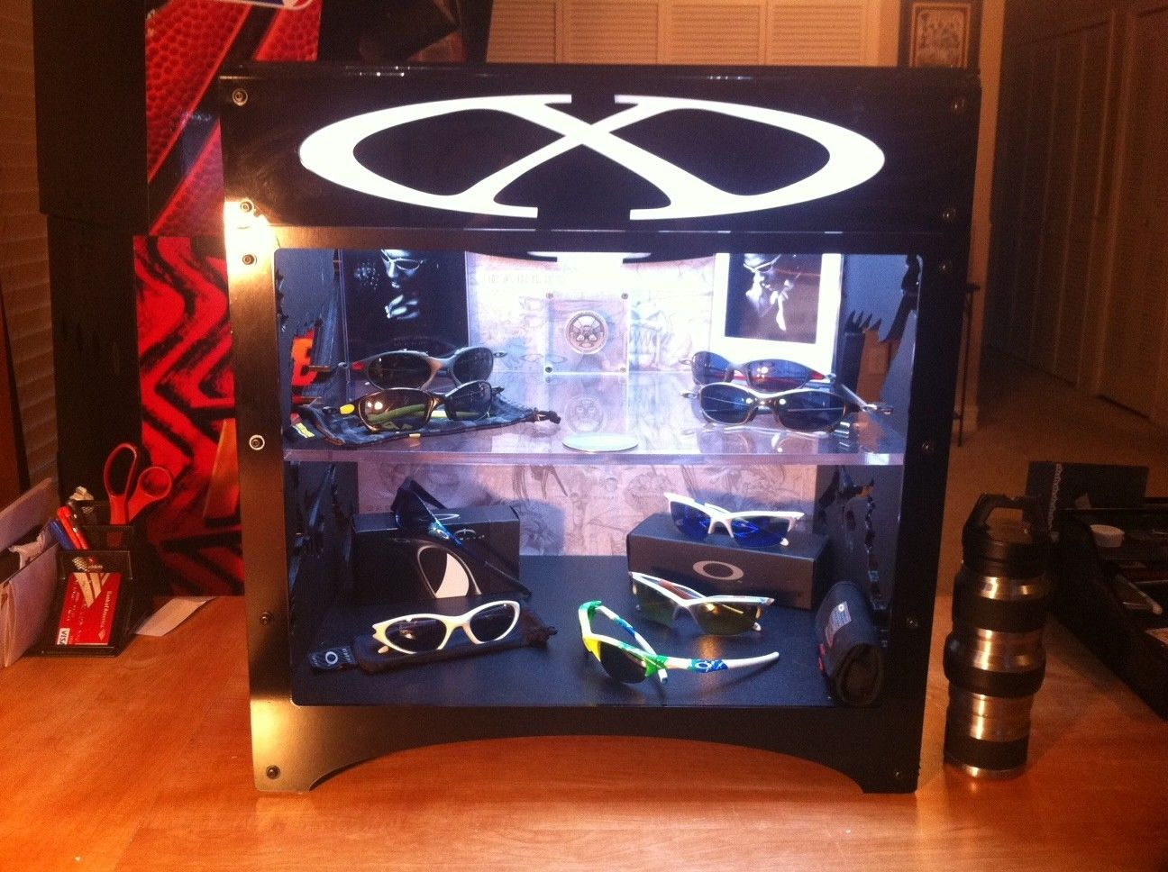 My DIY Oakley X-Metal CUBE Display Case - oakcase1.JPG