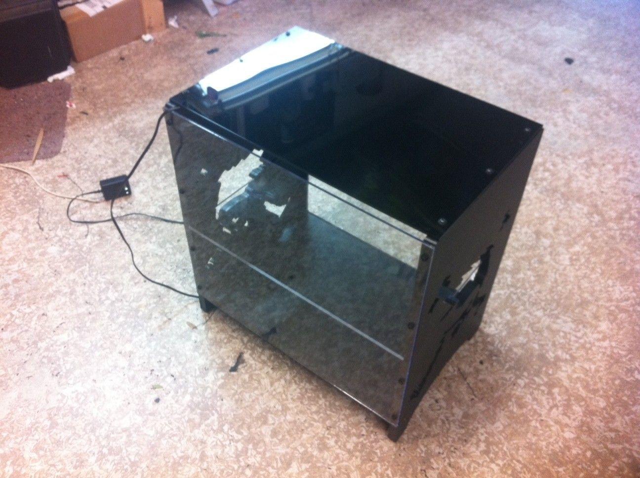 My DIY Oakley X-Metal CUBE Display Case - oakcase4.JPG