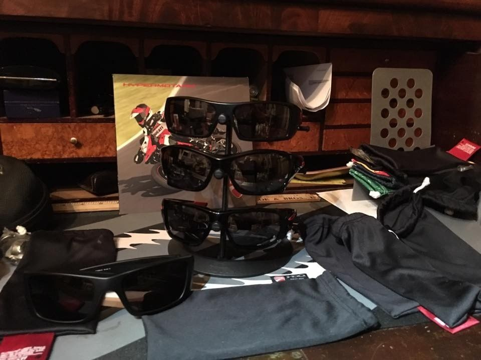 Oakley Ducati Collection.... - oakduc3.jpg