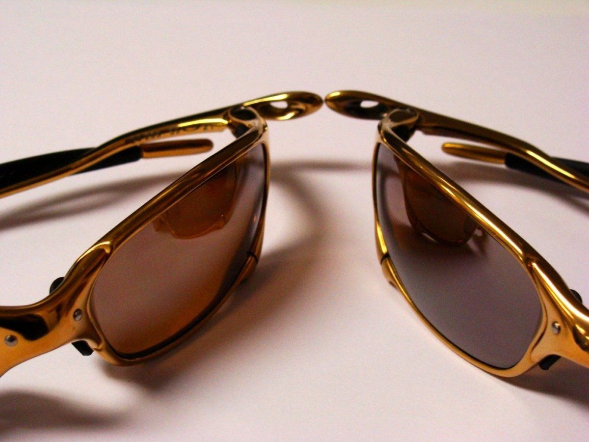 Oakley 24K Juliet folded.jpg