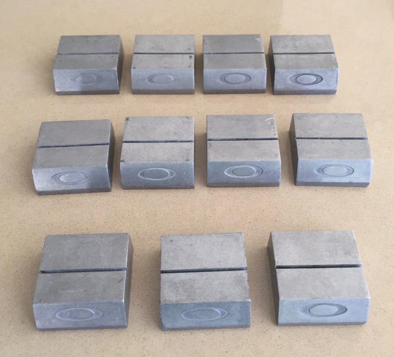 Aluminium Card Blocks (will separate) - Oakley Card Stand - 2 (1).jpg