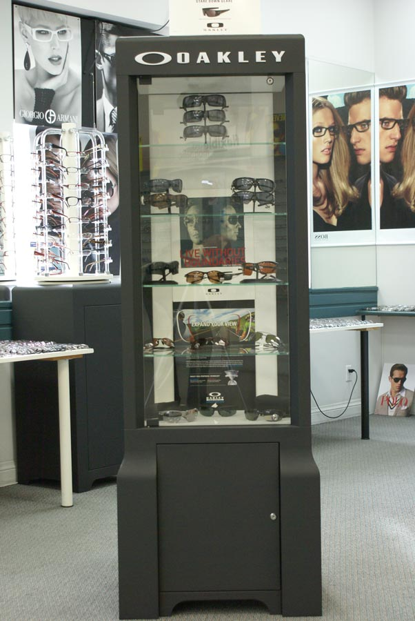 Charmant Where Is The Switch For The Lights?   Oakley Display Case